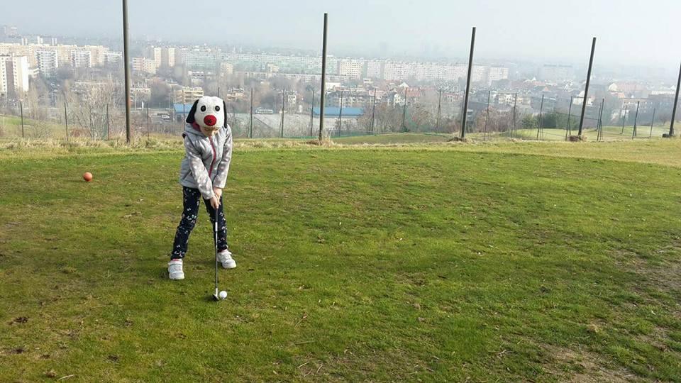 A hétvégi jó idő meghozta a legkisebbek golfkedvét is…